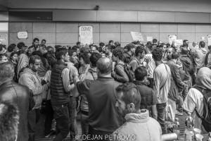 Refugees_westbahnhof003