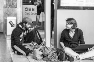 Refugees_westbahnhof006