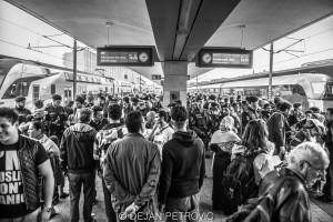 Refugees_westbahnhof011