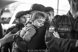 Refugees_westbahnhof012